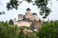 Trencin em Eslováquia Castelo velho em Trencin overview foto de stock royalty free