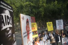 TREND FÖR SPRIDNING FÖR INDONESIEN HIV-HJÄLPMEDEL Arkivfoto