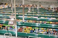 Trend-inställning livsmedelsbutik Arkivfoton