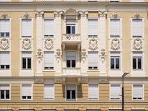 Trendig fasad i Merano Arkivfoton
