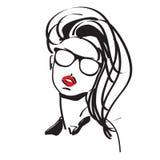 Trendig flicka i exponeringsglas Royaltyfria Foton