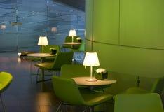 trendig interior för cafe Arkivbild