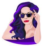Trendig kvinna i solglasögon med violett hår stock illustrationer