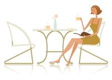 Trendig kvinna på tabellen vektor illustrationer