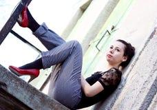 trendig posera kvinna Arkivfoto