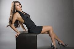 trendig posera kvinna Arkivbild