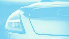 Trendig sportbil o Bl? f?rg som tonas panorama- format f?r 16:9 kopiera avst?nd arkivfoton