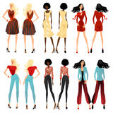 Trendiga flickor i härlig kläder Royaltyfria Bilder