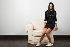 Trendy jonge vrouw stock afbeelding