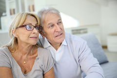 Trendy senior couple at home Royalty Free Stock Images