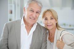 Trendy senior couple in new house Royalty Free Stock Photos