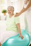 trener TARGET252_0_ osobista starsza kobieta Zdjęcie Stock