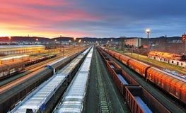 Trenes de carga - transporte del cargo imágenes de archivo libres de regalías