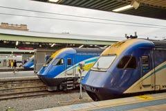 Trenes de XPT en Sydney Central Station Foto de archivo