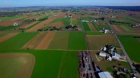 Trenes del campo y del vapor de Amish por el abejón