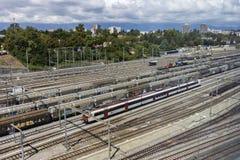 Trenes en Ginebra en Suiza Imagen de archivo libre de regalías