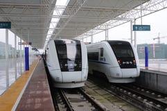 Treni ad alta velocità di CRH della Cina Immagini Stock Libere da Diritti