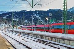 Treni ad alta velocità fermati alla ferrovia di Garmisch-Partenkirchen Immagine Stock