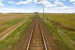 Treni del carico nel vecchio deposito di treno Fotografie Stock Libere da Diritti