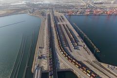 Treni del porto di Long Beach e di Los Angeles immagini stock libere da diritti