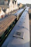 Treni nella stazione Fotografie Stock Libere da Diritti