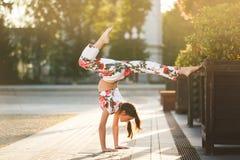 Trening młoda gimnastyczka fotografia stock