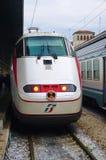 Trenitalia snabba drev (Italo, Frecciarossa och Frecciabianca) på den Venedig Saint Lucia järnvägstatistiken Royaltyfri Bild