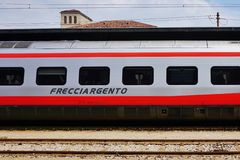 Trenitalia snabbt drev i Italien Royaltyfri Fotografi
