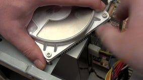 Trennen der Festplatte stock video footage