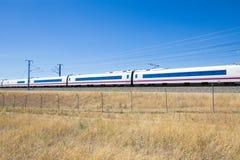 Treno ad alta velocità in campagna Immagini Stock Libere da Diritti