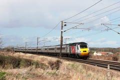Treno ad alta velocità vergine sulla linea principale della costa Est Fotografia Stock Libera da Diritti