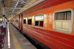 Treno alla stazione di Kandy, Sri Lanka Fotografie Stock Libere da Diritti