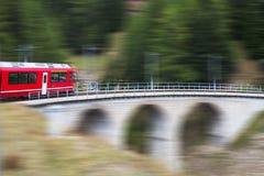 Treno in alpi, Svizzera Fotografia Stock