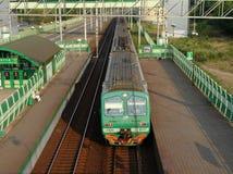 Treno arrivante da disporre Fotografia Stock