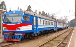 Treno blu Immagine Stock