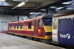 Treno caledoniano della traversina alla stazione di Londra Euston Fotografie Stock Libere da Diritti