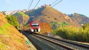 Treno che lascia Alora, Andalusia Fotografie Stock