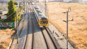 Treno che lascia stazione Fotografia Stock Libera da Diritti