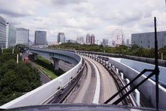 Treno che si dirige a Odaiba Tokyo immagine stock libera da diritti