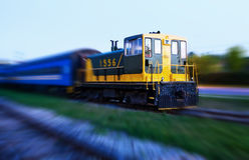 Treno con la sfuocatura di movimento Fotografie Stock