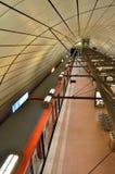 Treno del bahn di S della stazione ferroviaria dell'aeroporto di Amburgo Immagine Stock Libera da Diritti