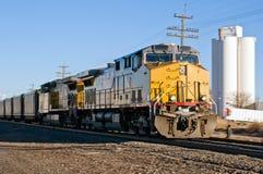 Treno del carbone di primo mattino dal Wyoming fotografia stock