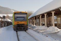 Treno del ` di Waldbahn del ` alla stazione nella città della stazione termale di Bodenmais in Baviera Fotografia Stock Libera da Diritti