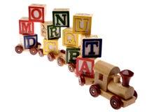 Treno del giocattolo e blocchetti di apprendimento Fotografia Stock