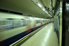 Treno del tubo fotografie stock