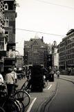 Treno di Amsterdam nella città Fotografie Stock