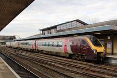 Treno di dmu di Voyager del paese trasversale nella stazione di Oxford Fotografia Stock