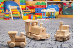 Treno di legno nella stanza del gioco Fotografia Stock Libera da Diritti