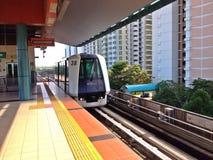 Treno di LRT Immagini Stock Libere da Diritti