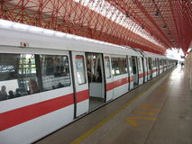 Treno di MRT di Singapore Immagine Stock